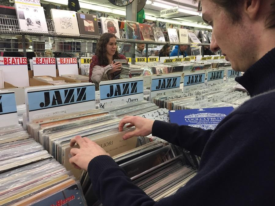 Joey Schunemann '18 and Abbey Kotelly '17 search through records at the Princeton Record Exchange.