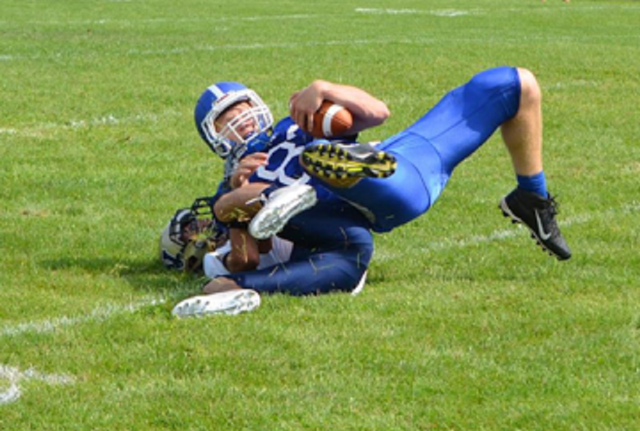Windham+outlasts+HB+in+football+season+opener