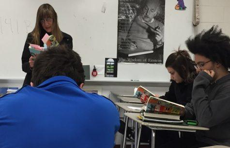 Author Gloria Norris visits Memoirs class