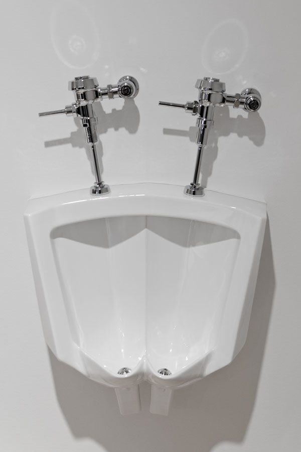 Nobody+would+want+to+share+a+urinal%2C+but+the+lack+of+dividers+creates+comparable+concern.+Only+one+in+HB%E2%80%99s+five+urinals+have+a+divider+to+ease+with+bathroom+processes-+a+major+issue+for+some.+%E2%80%9CDividers+would+definitely+be+helpful%E2%80%9D%2C+said+Felix+Yang+%E2%80%9819+given+dividers%E2%80%99+low+cost+and+high+functionality%2C+their+implementation+is+simply+common+sense.+