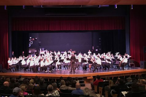 "On Monday, Feb. 18, students attending the trip met at Souhegan High School. The group of about 150 choir and band students put on a concert which consisted of the songs they would all perform at Disney Springs. ""Working with other schools is even good for conductors. The teachers are learning from each other too. It just improves everybody,"" said Umstead."