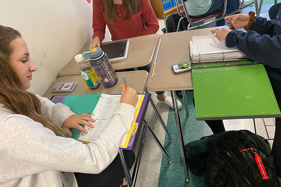 Students study for various subjects during CavBlock. The new CavBlock system has been put to the test for the 2019-2020 school year, and there are mixed opinions. Social Studies teacher, Jennifer Given, prefers the new system.